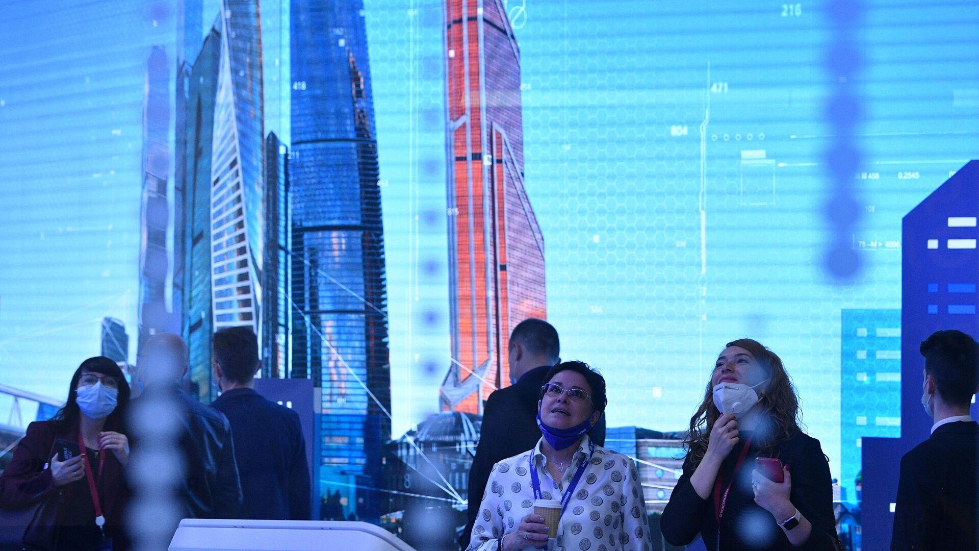 Участники Петербургского международного экономического форума - 2021 в конгрессно-выставочном центре Экспофорум - РИА Новости, 1920, 02.06.2021