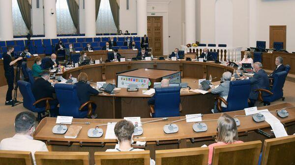 Уастники 59-й конференции Парламентской Ассоциации Северо-Запада России в Великом Новгороде