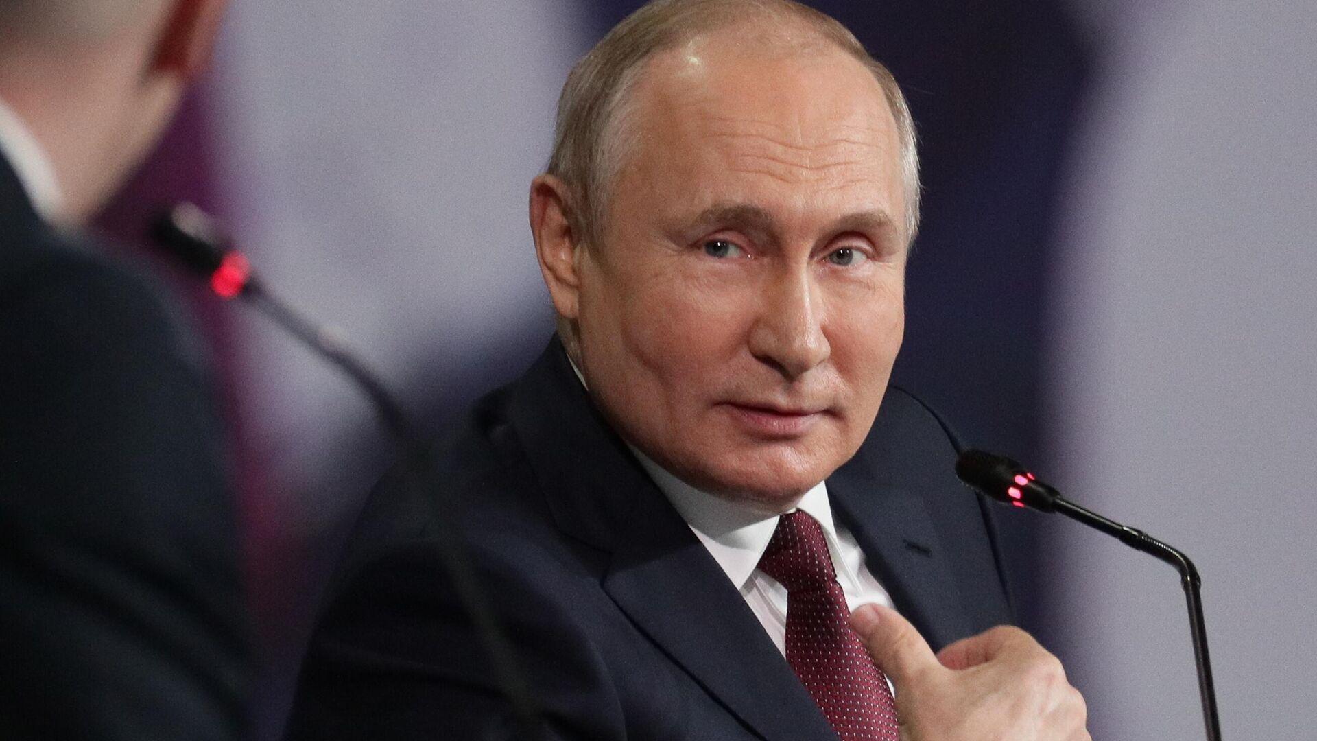 Президент РФ Владимир Путин на пленарном заседании в рамках Петербургского международного экономического форума - 2021 - РИА Новости, 1920, 14.06.2021