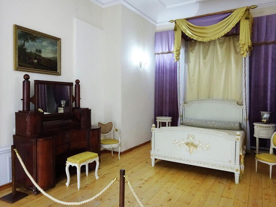 Дом-музей Грибоедова. Парадная спальня