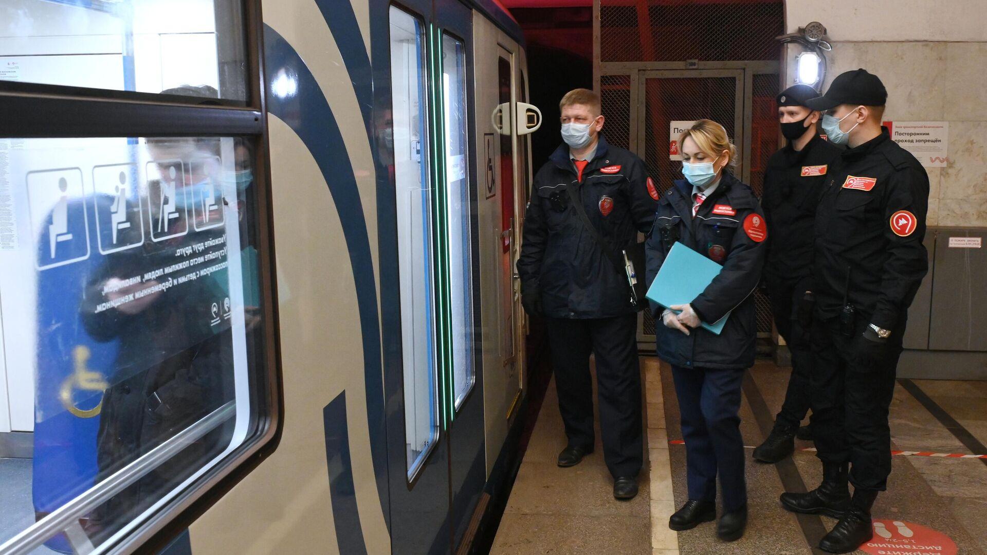 Москва бьет рекорды позаболеваемости COVID-19. Вгороде объявили неделю выходных