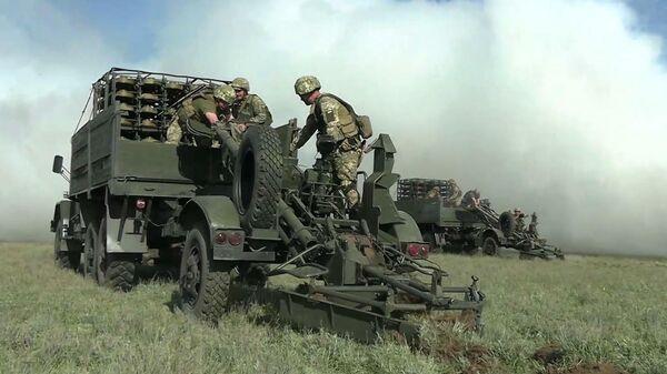 Учения украинских военных на границе с Крымом