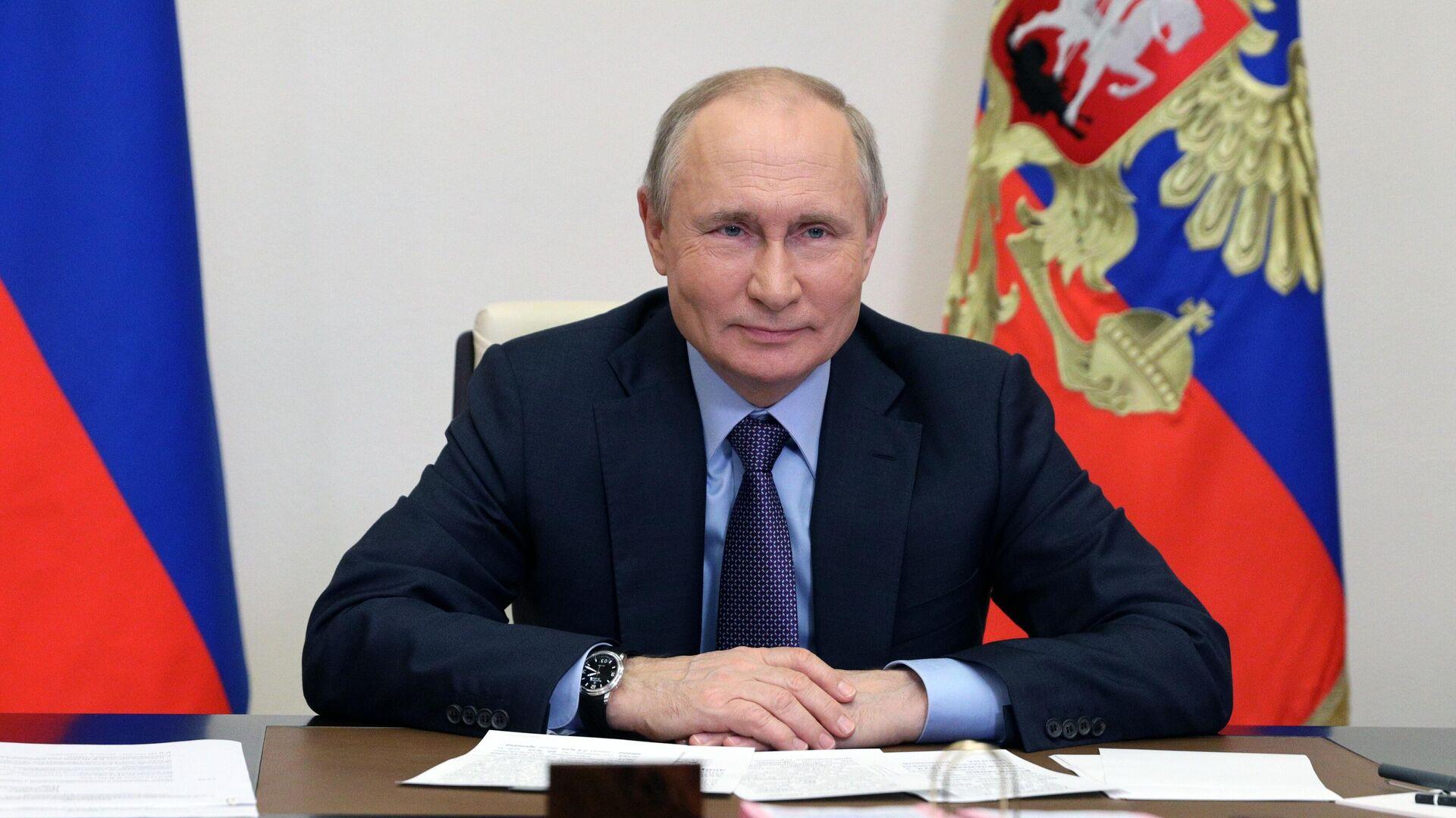 Президент РФ Владимир Путин в режиме видеоконференции принимает участие в запуске Амурского газоперерабатывающего завода компании Газпром - РИА Новости, 1920, 12.06.2021