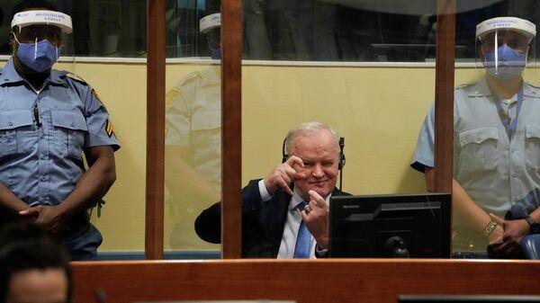 Сербский генерал Ратко Младич в Апелляционной палате Международного остаточного механизма для уголовных трибуналов (МОМУТ) в Гааге