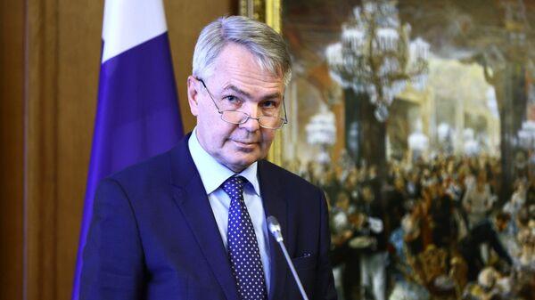 Министр иностранных дел Финляндии Пекка Хаависто во время пресс-конференции