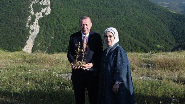 Президент Турции Реджеп Тайип Эрдоган и первая леди Эмине Эрдоган в Шуше