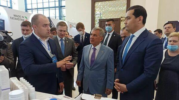 Глава Татарстана Рустам Минниханов во время рабочего визита в Узбекистан