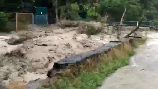 Ливни размыли дороги в Ялте