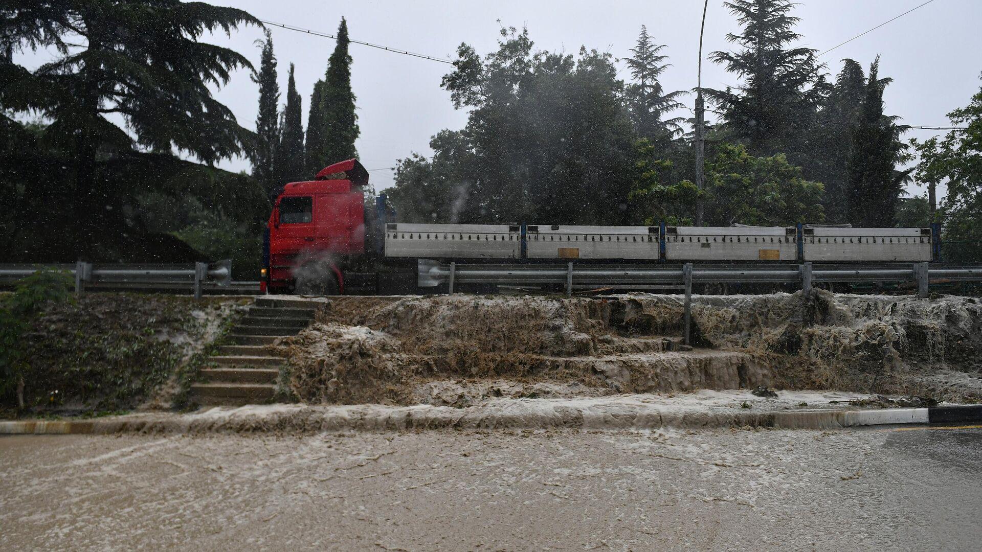 Пострадавшим от наводнения жителям Крыма возместят ущерб