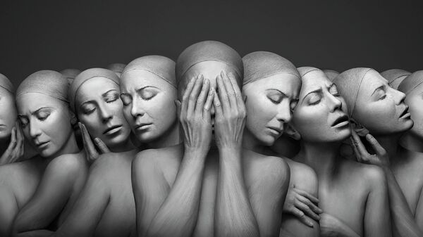 Работа фотографа из Австралии Forough Yavari Solitude, победившая в конкурсе The International Portrait Photographer of the Year 2021