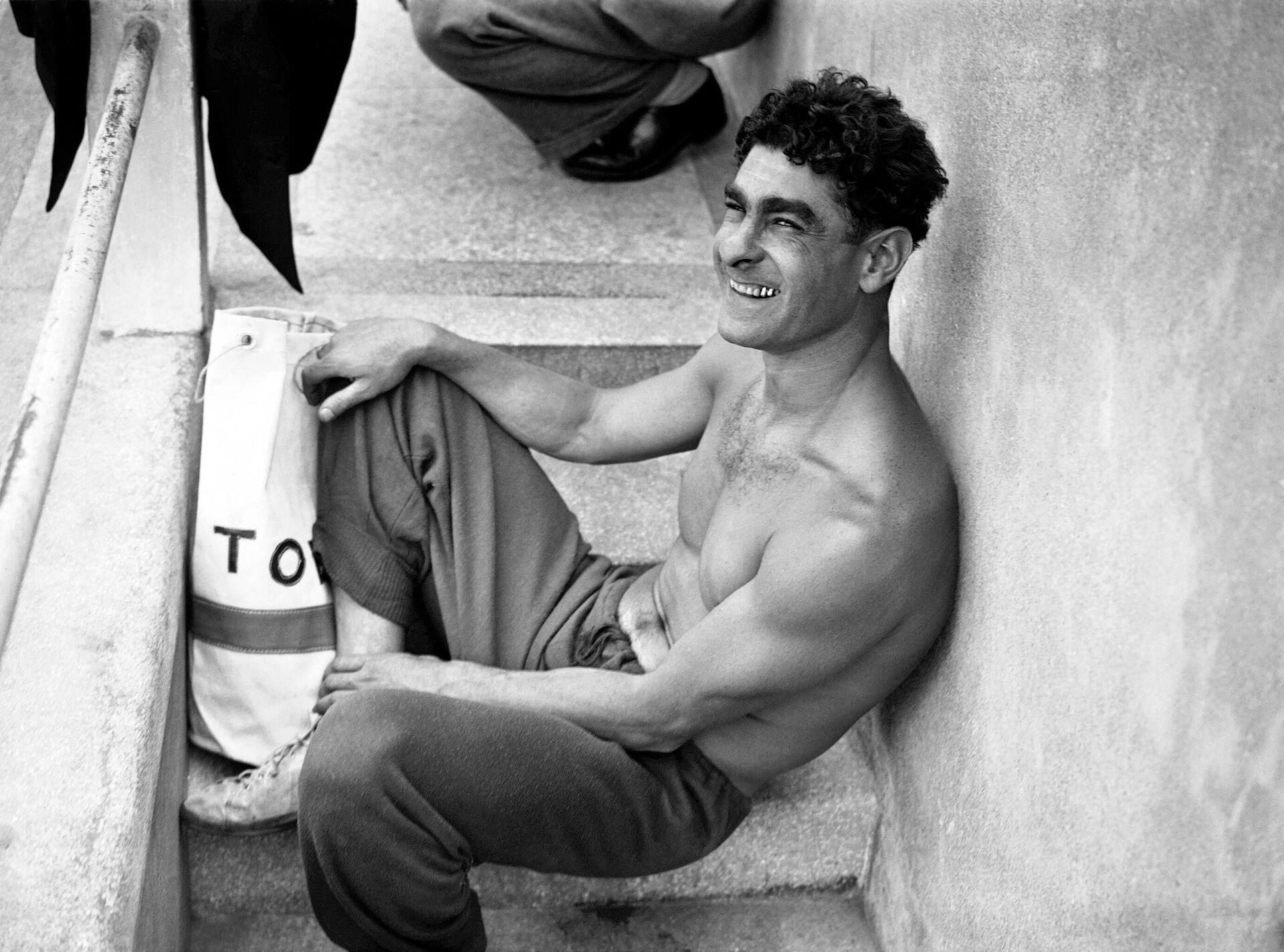 Французский пловец, участник Олимпийских игр 1948 года в Лондоне Альфред Накаш - РИА Новости, 1920, 03.07.2021