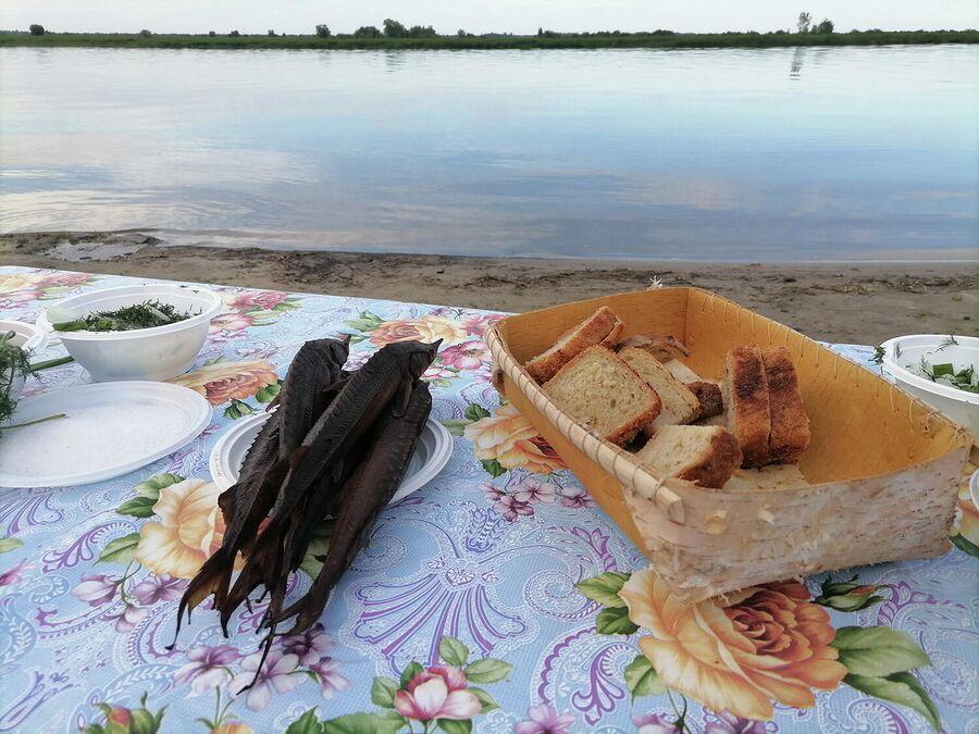 Обед на природе в деревне Шапша