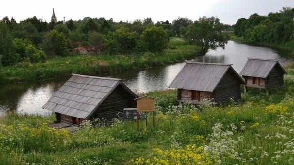Суздаль. Экспонаты музея деревянного зодчества