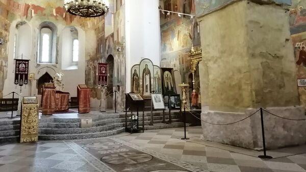 Суздаль. Внутри Спасо-Преображенского собора Спасо-Ефимиева монастыря