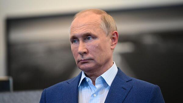 Президент РФ Владимир Путин на церемонии ввода в эксплуатацию Центральной кольцевой автомобильной дороги Московской области
