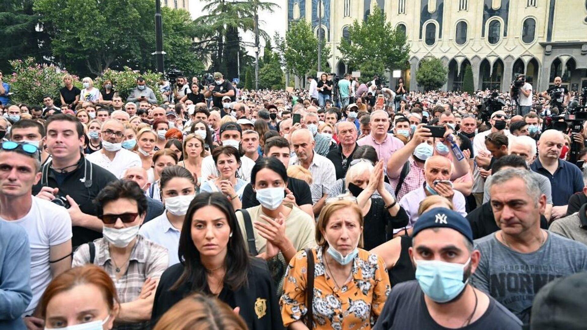 В Грузии протестующие выдвинули премьеру ультиматум - РИА Новости,  12.07.2021