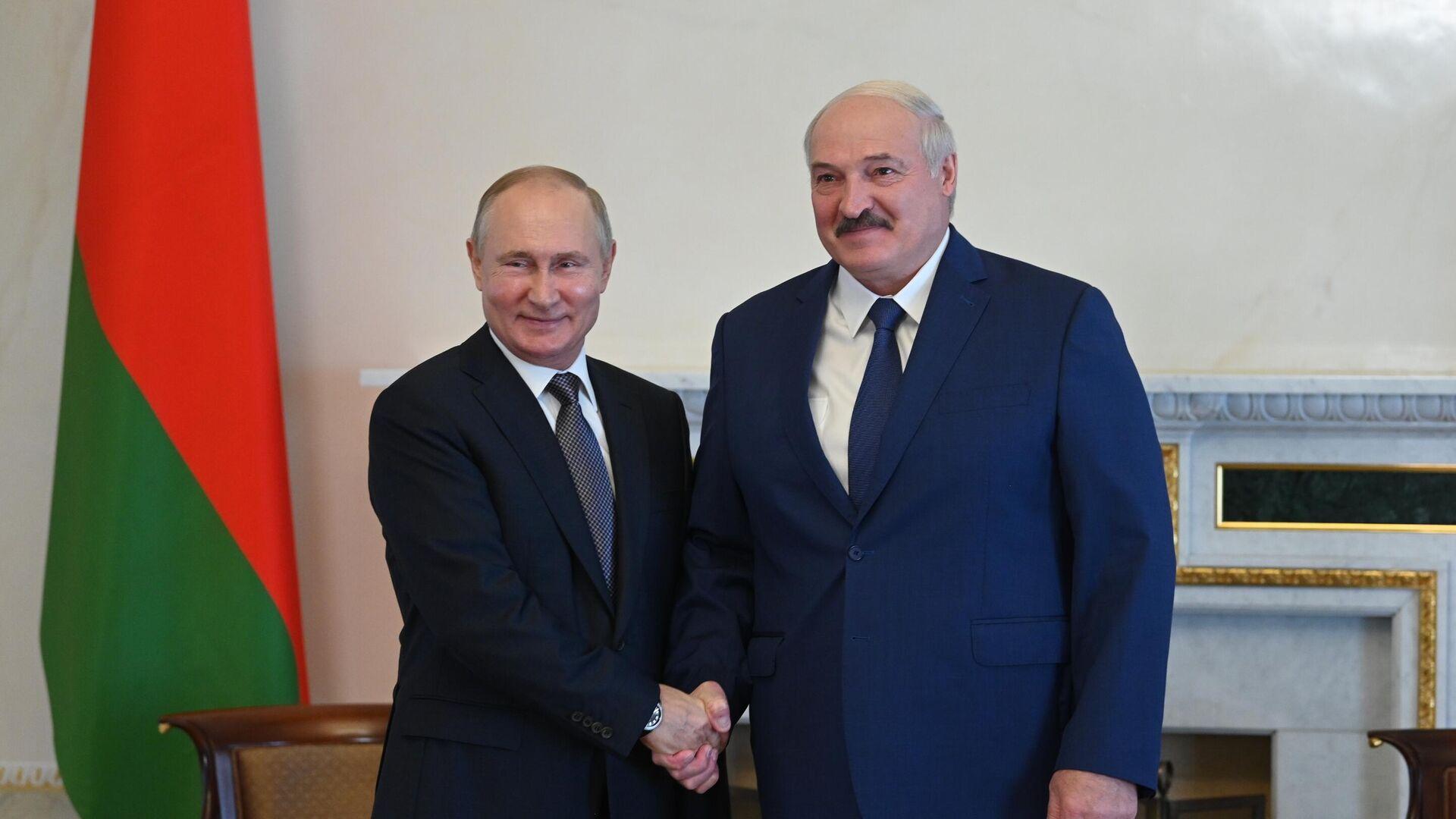 Президент РФ Владимир Путин и президент Белоруссии Александр Лукашенко во время встречи - РИА Новости, 1920, 21.07.2021