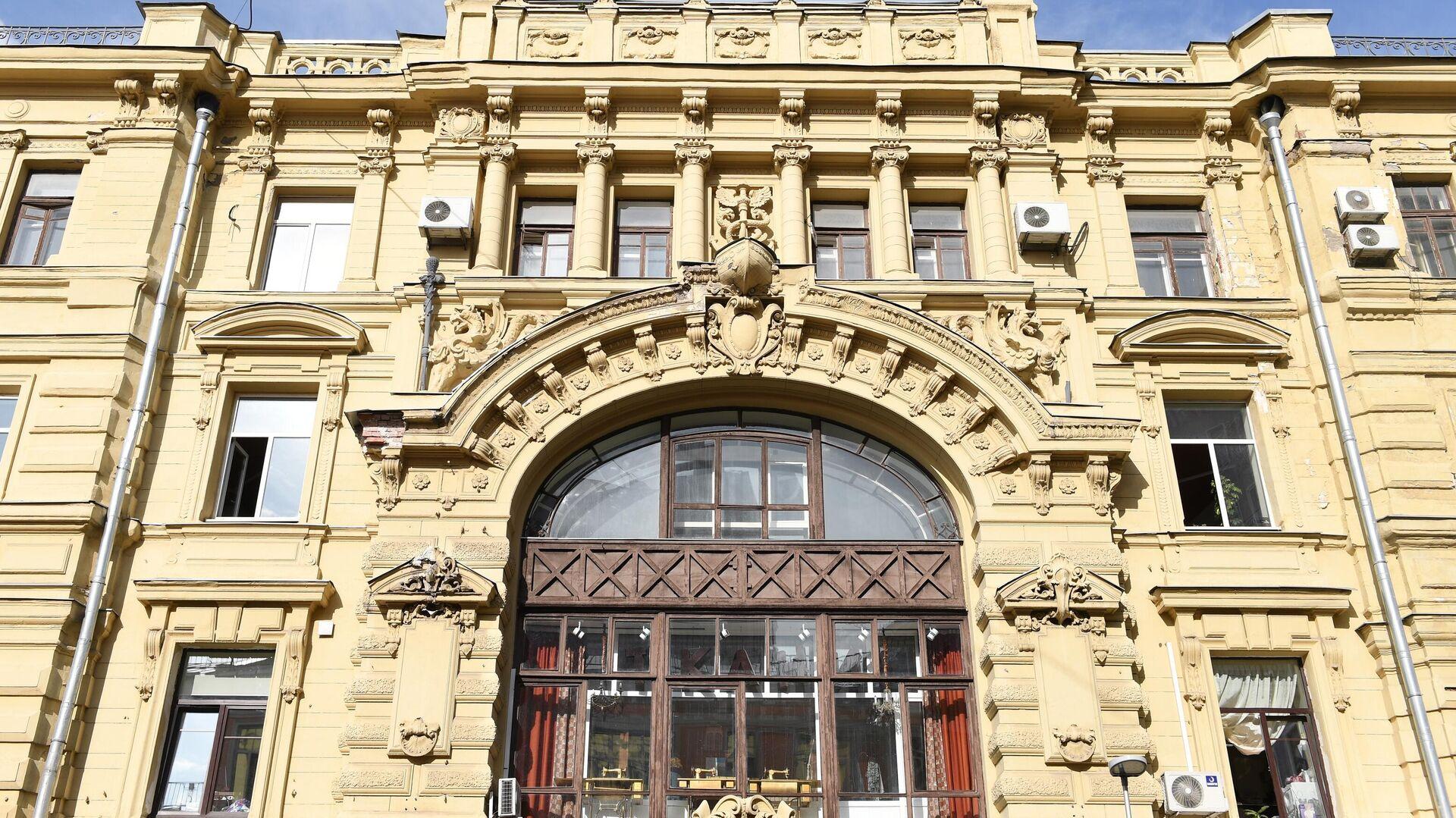 Многоквартирный дом на улице Кузнецкий Мост, 19 в Москве - РИА Новости, 1920, 14.07.2021