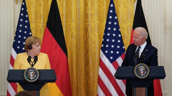 Президент США Джо Байден и канцлер ФРГ Ангела Меркель на пресс-конференции в Белом доме