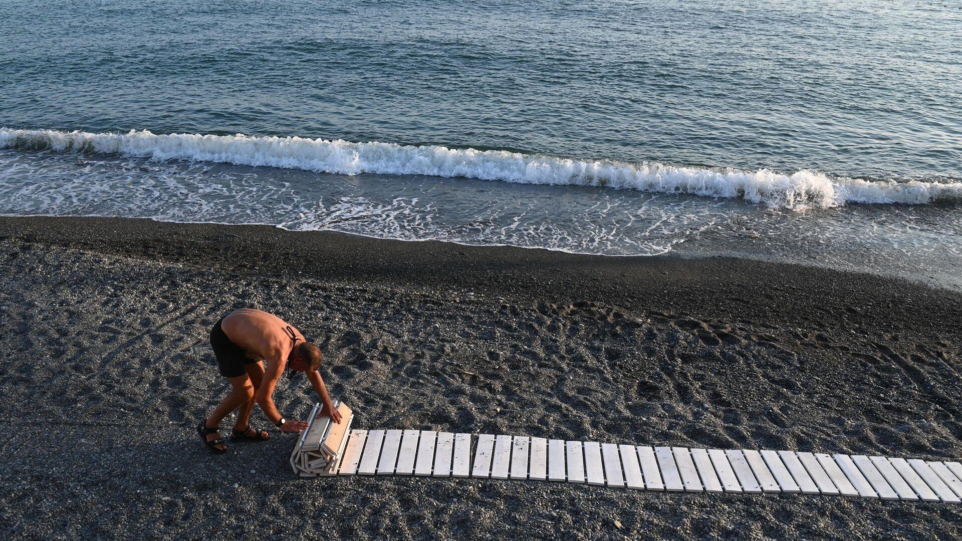 Пляжи Сочи снова открылись для купания