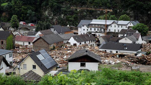 Разрушенные здания на пострадавшей от наводнения территории после проливных дождей в Шульде, Германия