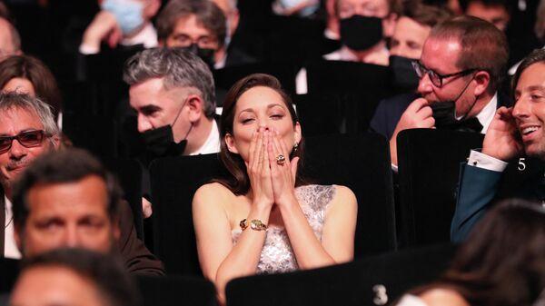 Актриса Марион Котийяр на церемонии открытия Каннского кинофестиваля