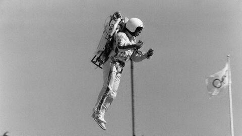 Джетмен на церемонии открытия Олимпийских Игр 1984 года в Лос-Анджелесе