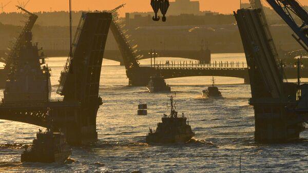 Репетиция прохождения кораблей ко Дню ВМФ в Cанкт-Петербурге