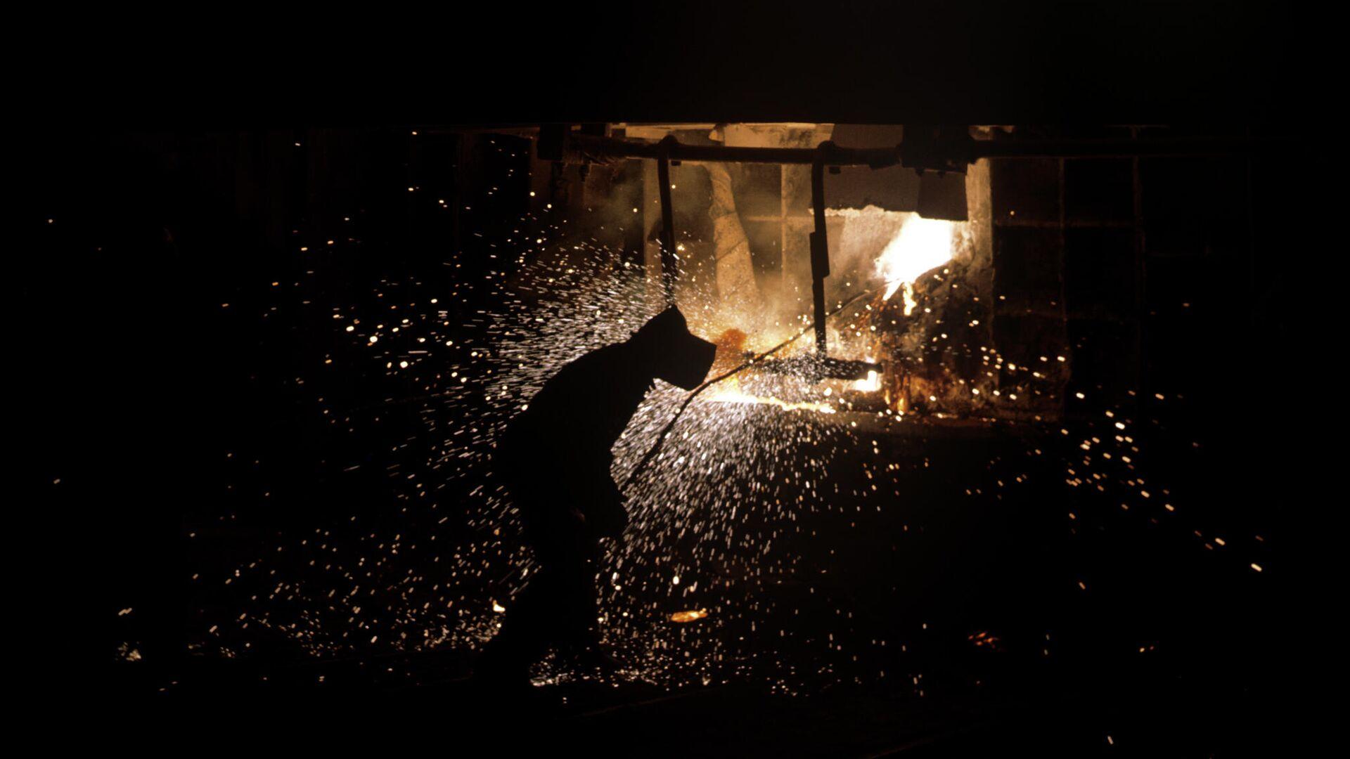 Работа металлургического предприятия в Армении. 1968 год - РИА Новости, 1920, 14.09.2021