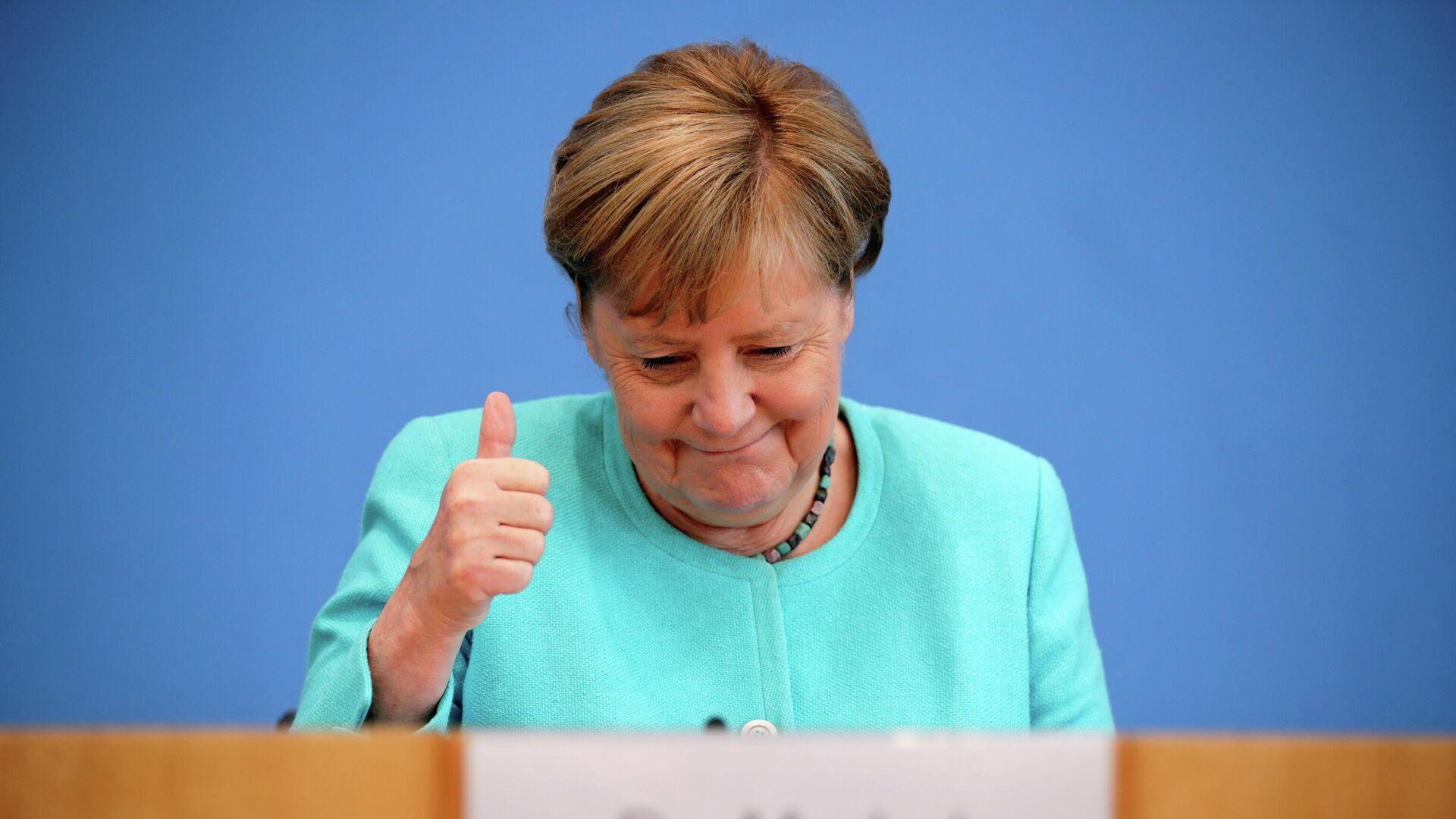 Канцлер Германии Ангела Меркель во время пресс-конференции в Берлине - РИА Новости, 1920, 22.07.2021