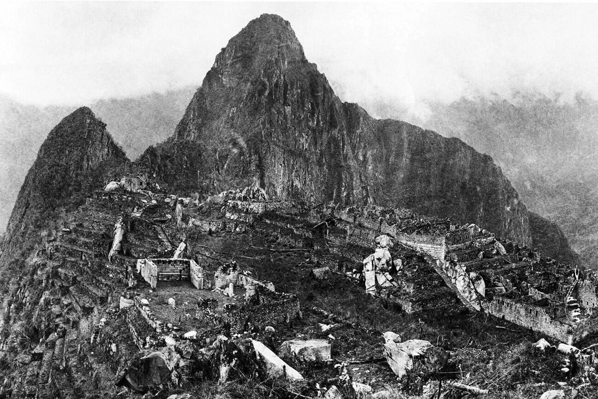 Фотография Мачу-Пикчу, сделанная в 1912 году после крупной расчистки и до начала восстановительных работ - ПРОФИ Новости, 1920, 23.07.2021
