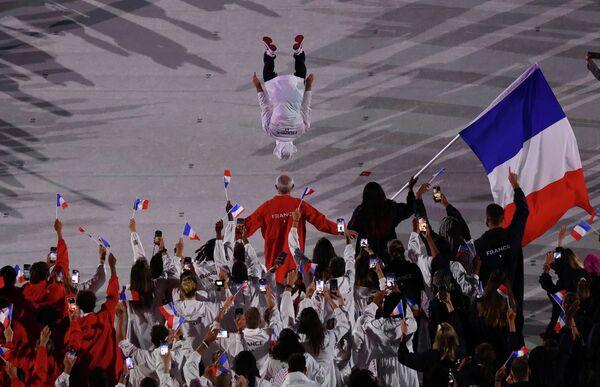 Сборная Франции на церемонии открытия Олимпийских игр в Токио.