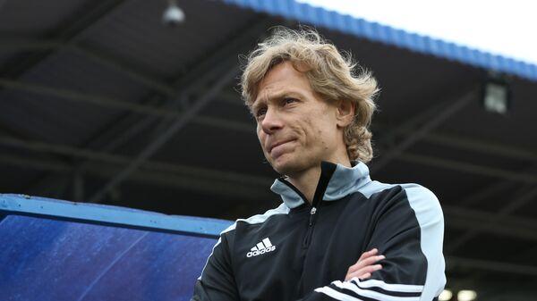 Тренер Валерий Карпин
