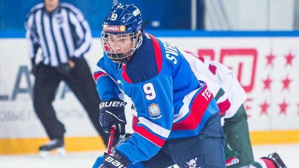 Хоккеист Федор Свечков.