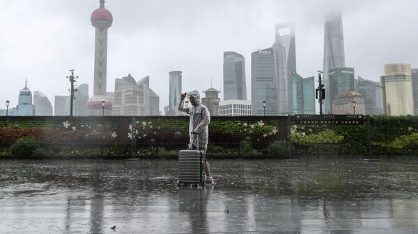 Тайфун Иньфа приближается к Шанхаю, Китай