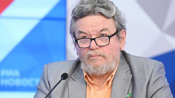 Писатель, лауреат Патриаршей литературной премии 2021 года Владимир Малягин