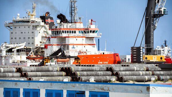Ледокол Юрий Топчев в немецком порту Мукран на острове Рюген