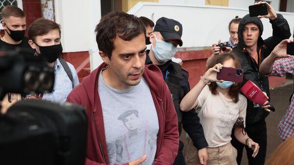 Главный редактор издания The Insider (признано в России СМИ-иноагентом) Роман Доброхотов