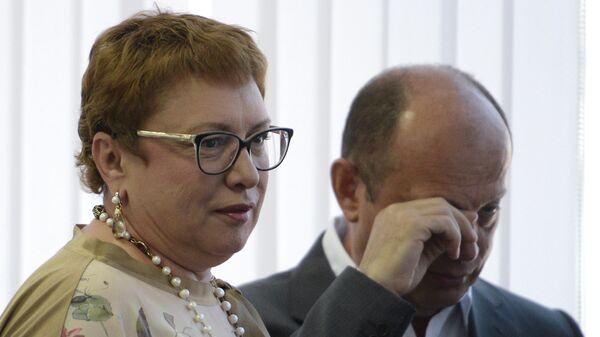 Ольга Смородская (слева)