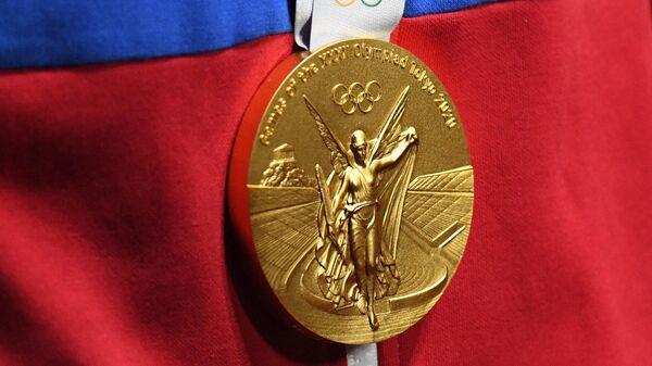 Золотая медаль Олимпийских игр в Токио
