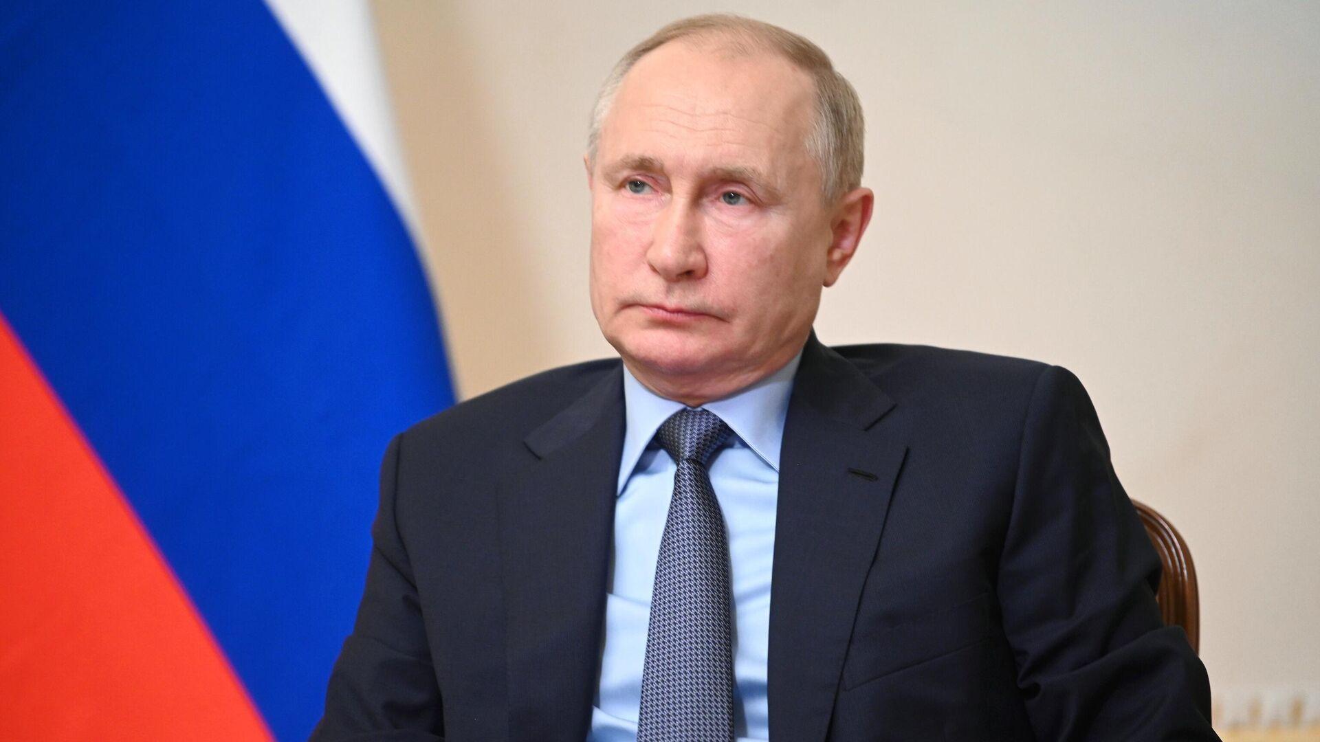 Путин на встрече с ЕР призвал сверить часы перед выборами