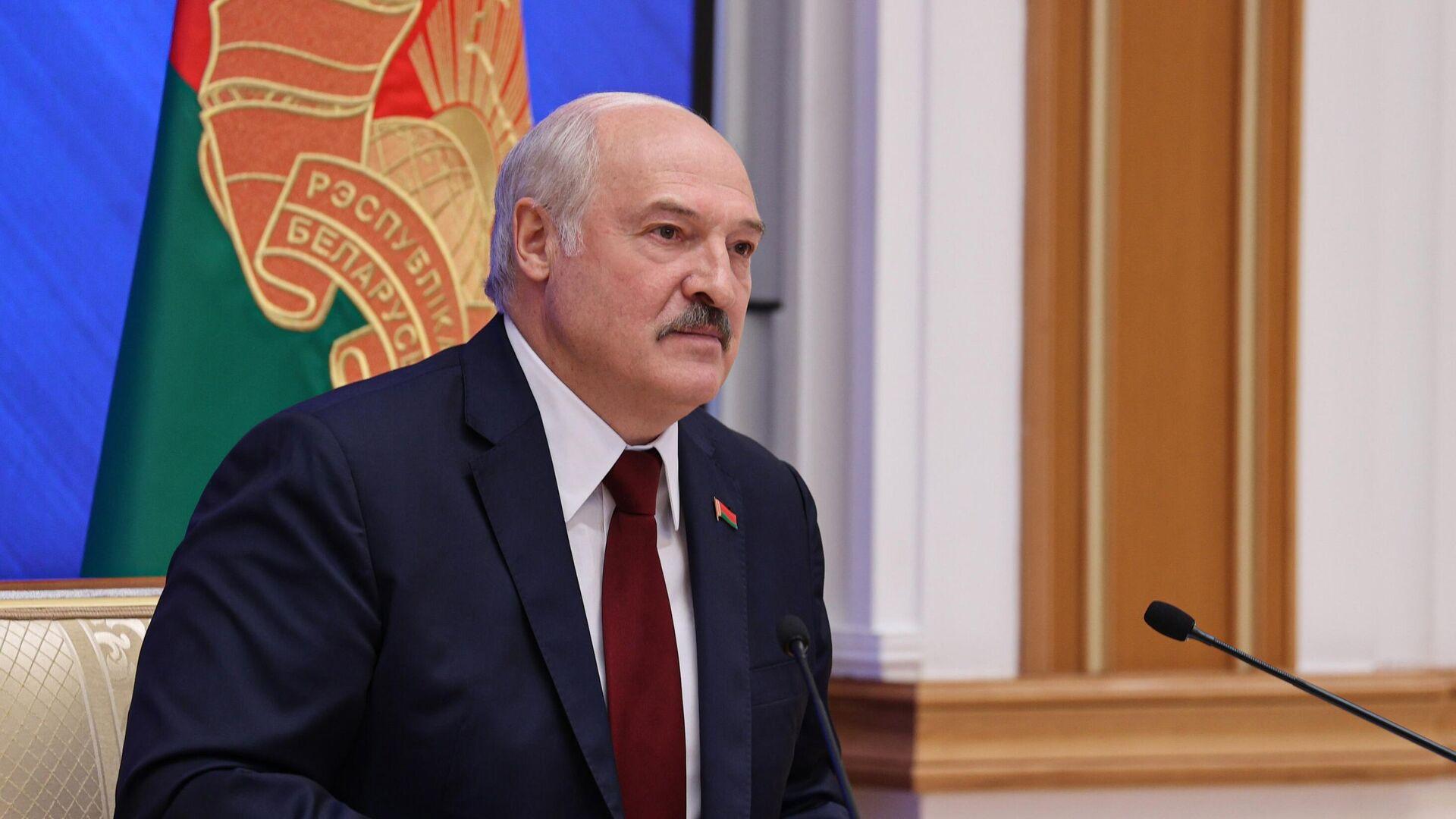 Лукашенко описал, как видит смену власти в Белоруссии