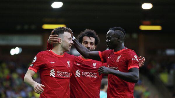 Футболисты Ливерпуля Диогу Жота, Мохаммед Салах и Садио Мане (слева направо)