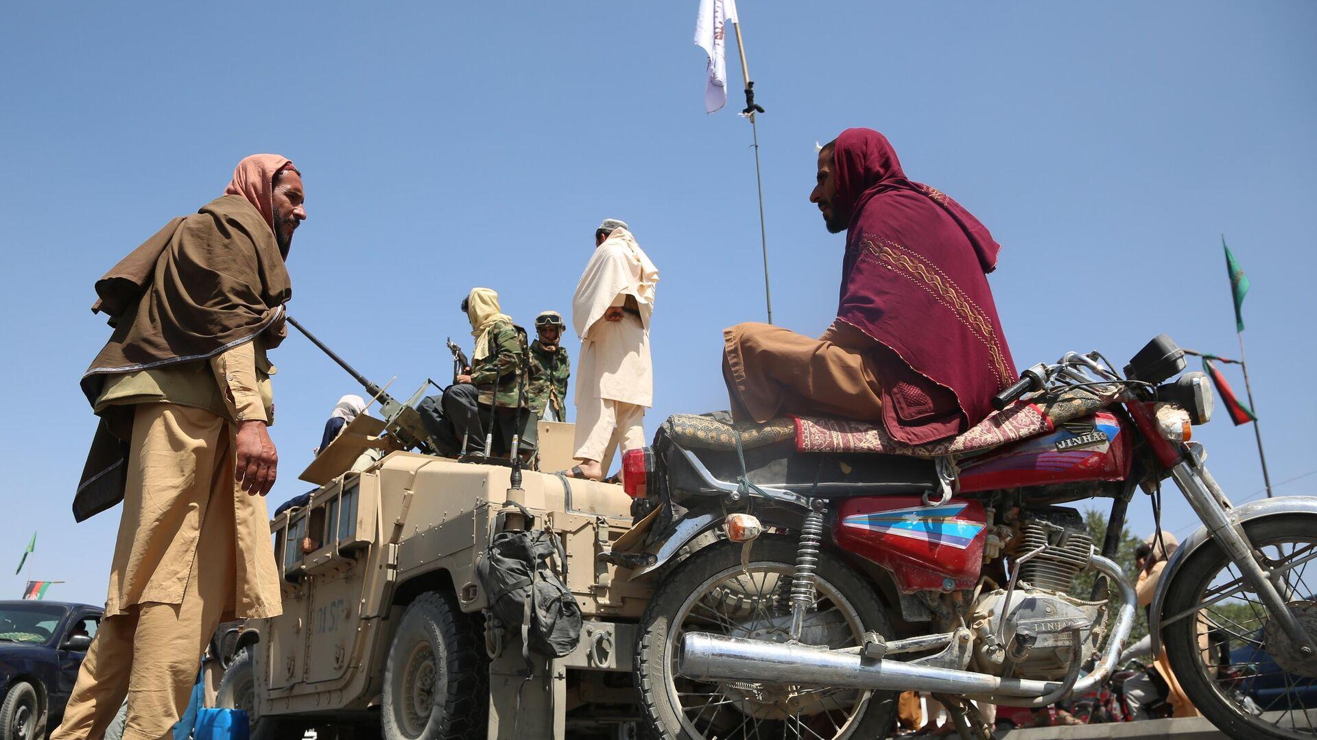 Боевики движения Талибан (террористическая организация, запрещена в России) в Кабуле - РИА Новости, 1920, 18.08.2021