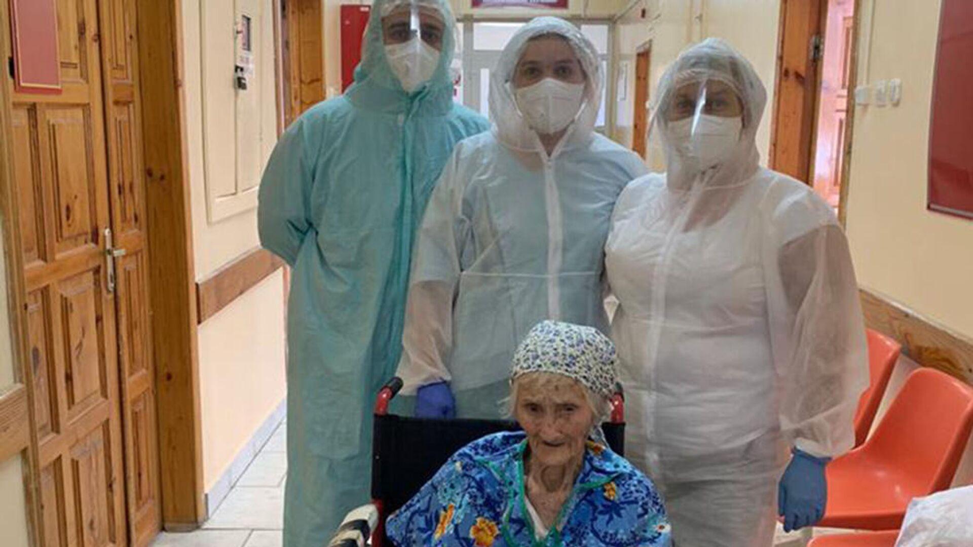 В Липецкой области от COVID-19 вылечили 103-летнюю пациентку - РИА Новости, 1920, 18.08.2021