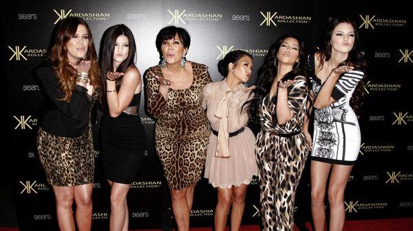 Семья Кардашьян на вечеринке в Лос-Анджелесе