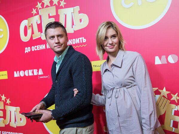 Актёр Павел Прилучный с супругой актрисой Агатой Муцениеце-Прилучной