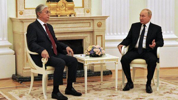 Путин высоко оценил контакты России и Казахстана