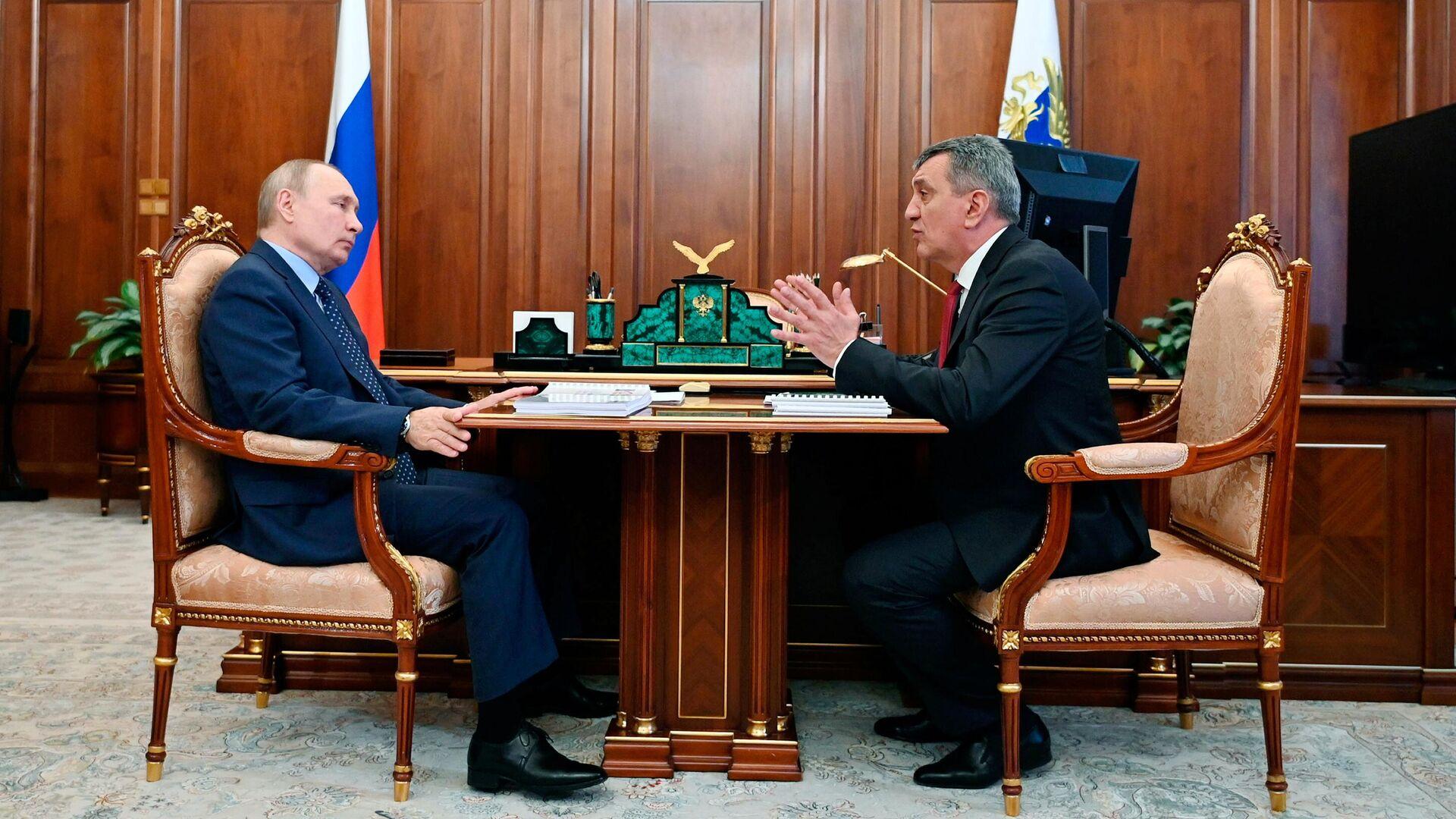 Путин поручил доложить о финансировании объектов развития в Беслане