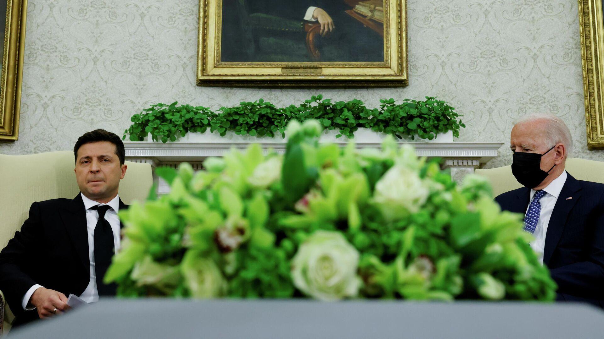 Президент Украины Владимир Зеленский и президент США Джо Байден во время встречи в Белом доме - РИА Новости, 1920, 15.09.2021